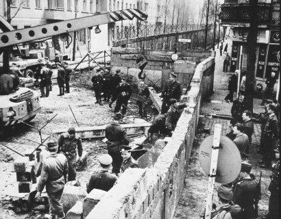 Начало возведения Берлинской