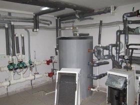 Сучасні системи опалення в побудованому будинку в Оренбурзькій області.